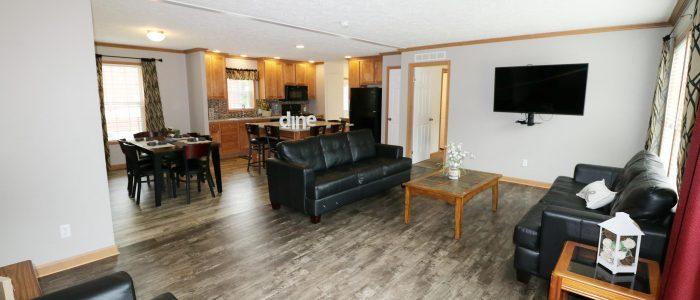 Island Club 12-Person House