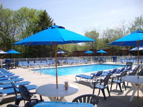 Island Club Home Rentals Pool
