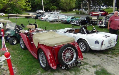 Sunday Old Car Parades
