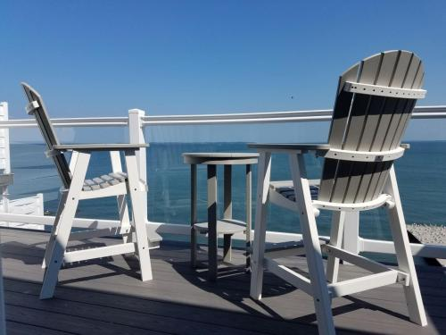 Lake Erie views from a Put-in-Bay Waterfront Condo balcony.