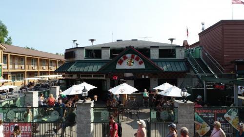 Mr Eds Bar & Grille